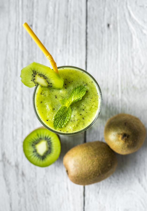 Healthy Kiwi Smoothie Summer Recipe